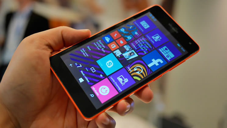 Lumia 535: первый смартфон Microsoft | цена, характеристики