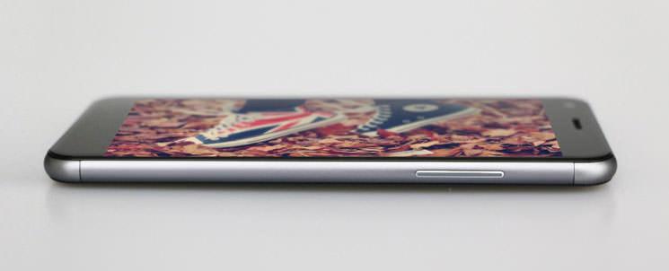 Zopo Touch/ZP530: новый китайский смартфон с 2.5D-экраном