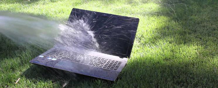 Что делать когда в ноутбук попала вода? Порядок действий