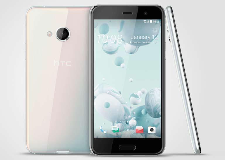 Смартфон среднего класса HTC U Play: фирменные наушники HTC