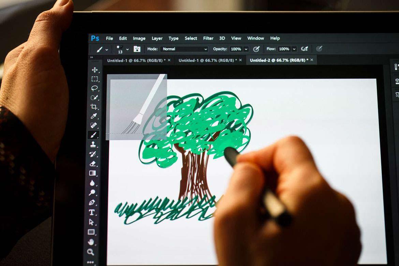 Планшет Samsung Galaxy Book: ручка S Pen в комплекте