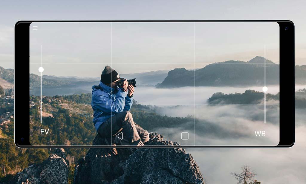 Симметричный смартфон Gravity: основная камера на 16-Мп