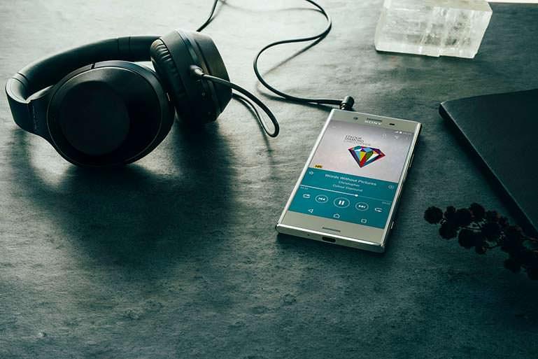 Sony Xperia XZ Premium: смартфон с DSEE HX