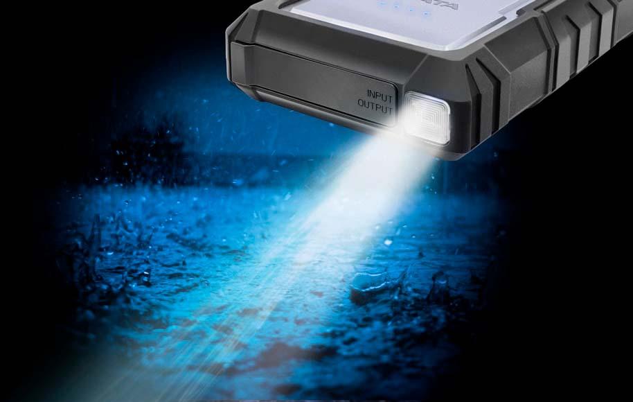 ADATA D16750: внешний аккумулятор с фонариком