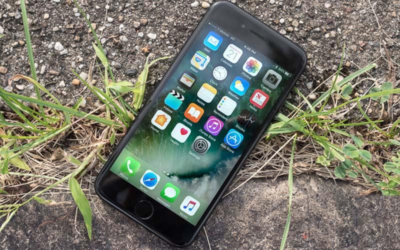 Apple iPhone 7 - лучший дорогой смартфон в 2017 году. #2